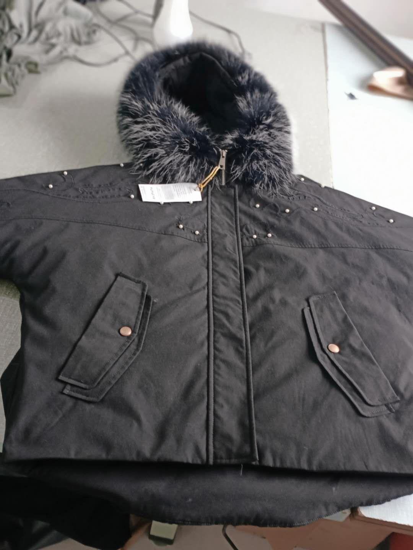 冬季新款铆钉大毛领短款蝙蝠羽绒服女8424205